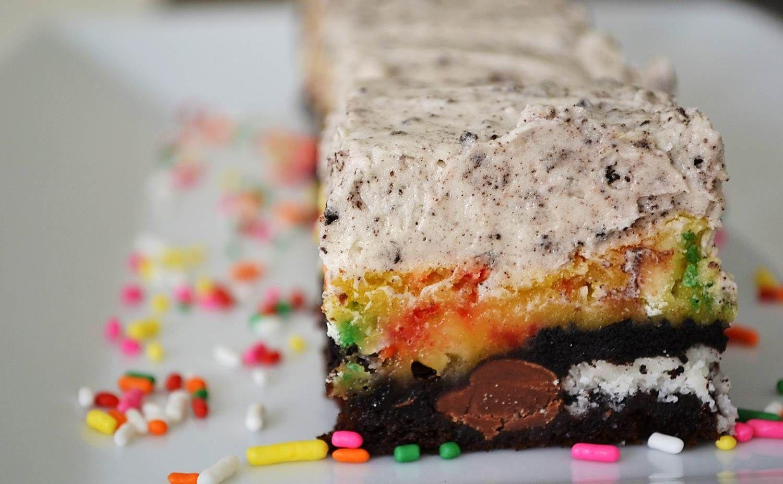 Oreo Cake Batter Bars