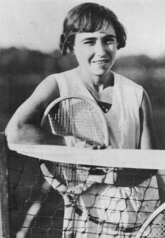 Maria Luisa Teran de Weiss (del Lawn Tennis Club).  LLevo al tennis argentino (y femenino) a los primeros 20 lugares del ranking mundial hacia 1950.-