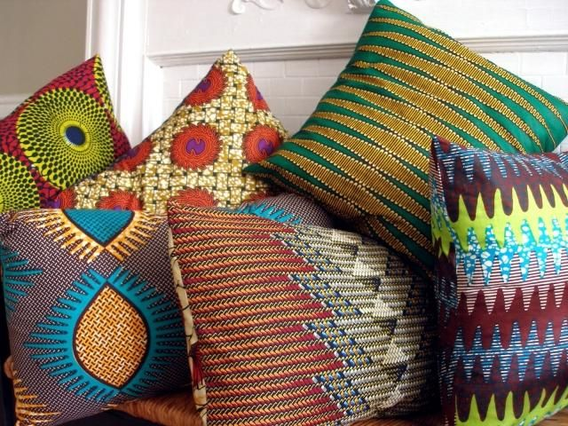 Bunte Kissenbezüge mit traditionellen Mustern-handgestrickt-Afrika Stil zu Hause