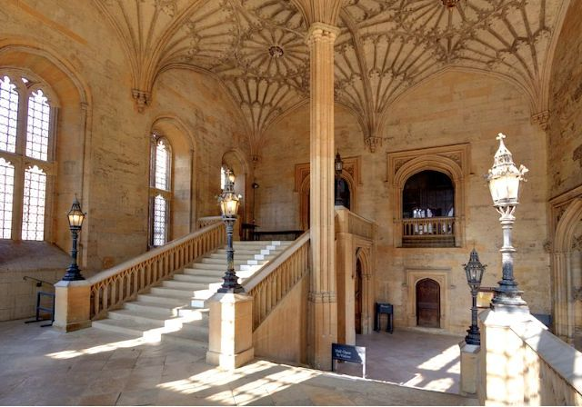 Christ College Stone Staircase University Of Oxford Uk Oxford Harry Potter Harry Potter Filming Locations Harry Potter Set