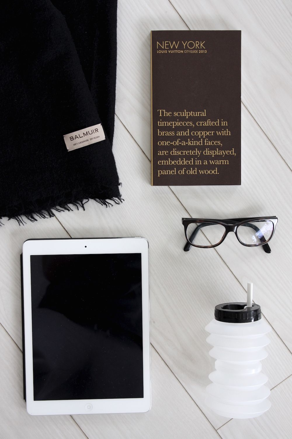 Homevialaura   Travel essentials: carry-on   Balmuir Helsinki scarf   Louis Vuitton City Guide   Ohyo water bottle   iPad