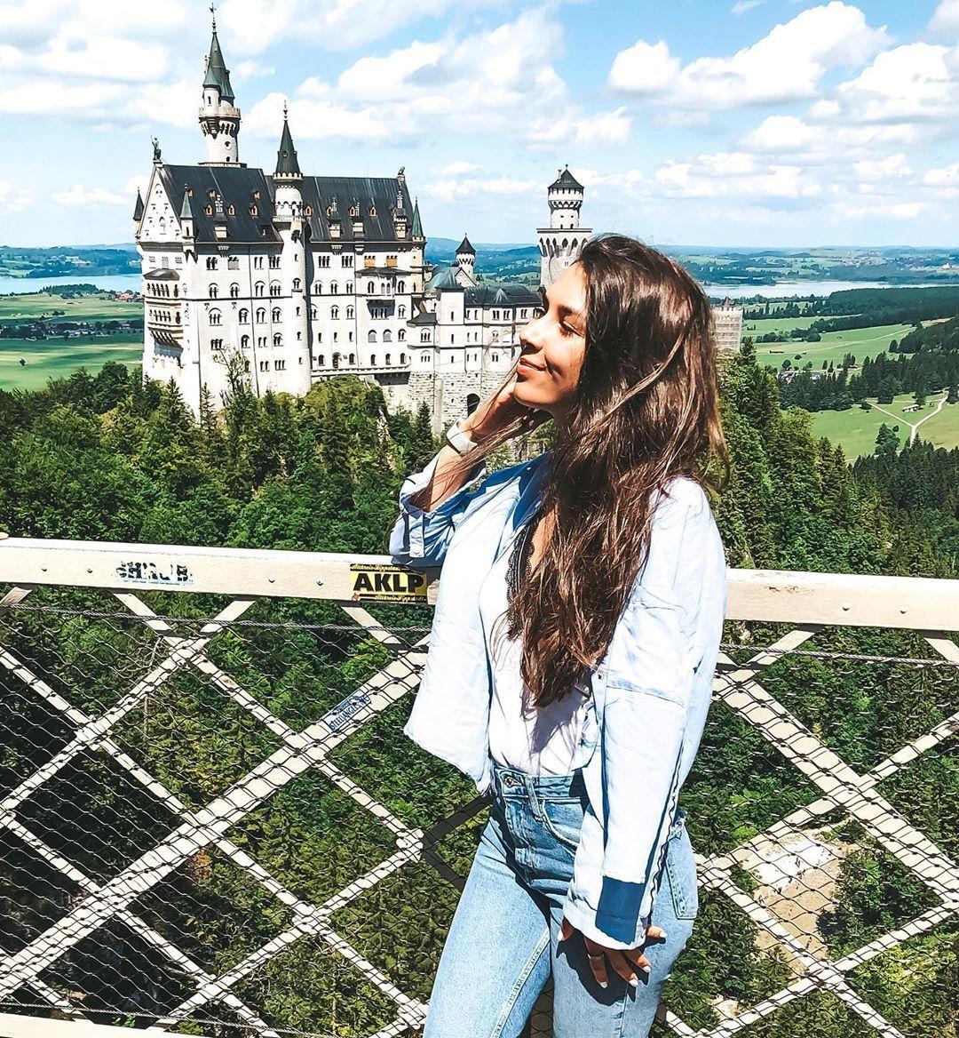 Odno Iz Nashih Luchshih Puteshestvij 2019 Schloss Neuschwanstein Neuschwansteinstrasse 20 87645 Schwangau Hochu Podelitsya S V In 2020 Landmarks Travel Louvre