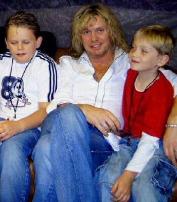 Sav & family NICE PICTURE THEIR IS A DAUGHTER ALSO JORDAN