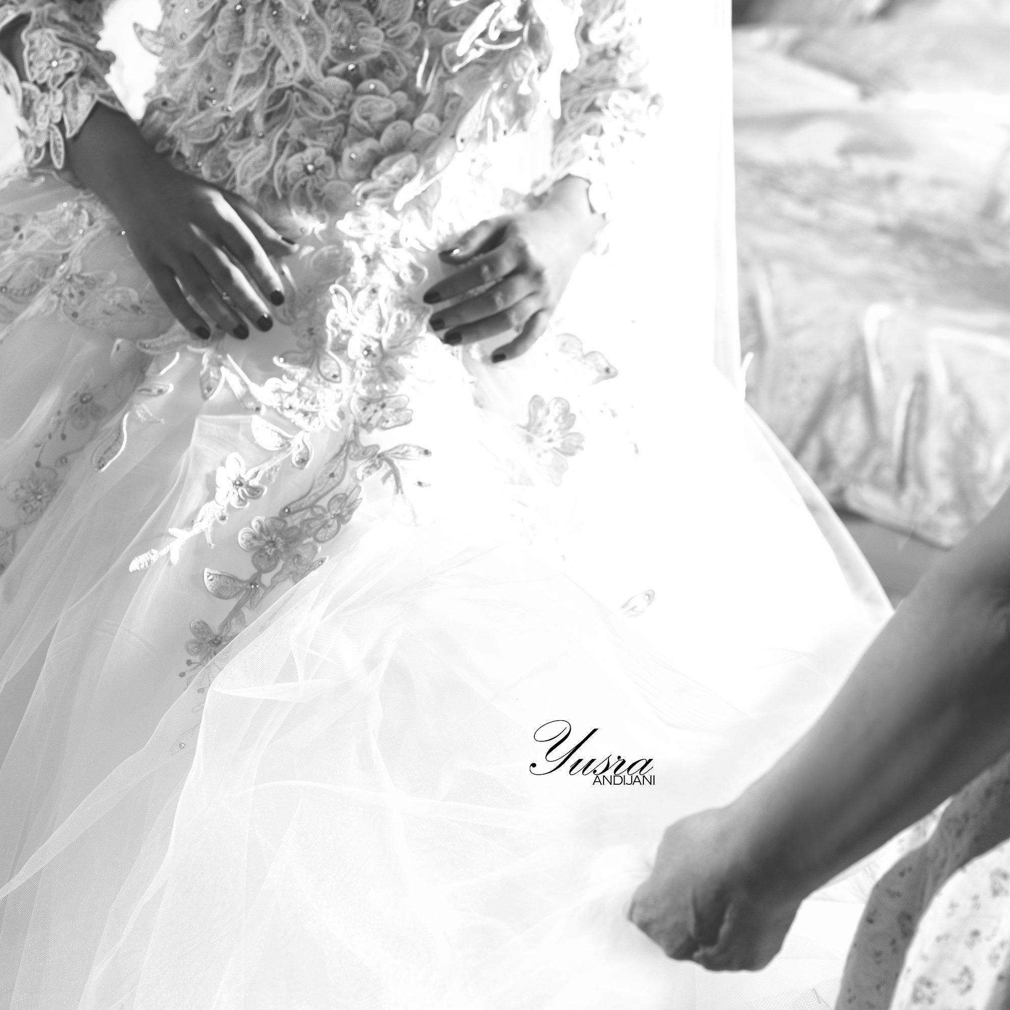 أمي يا جنه الدنيا كل عام وكل ام بخير وتفرح ببناتها في افراحهم يسرا انديجاني امي تصويري مصور Wedding Photography Wedding Dresses Photography