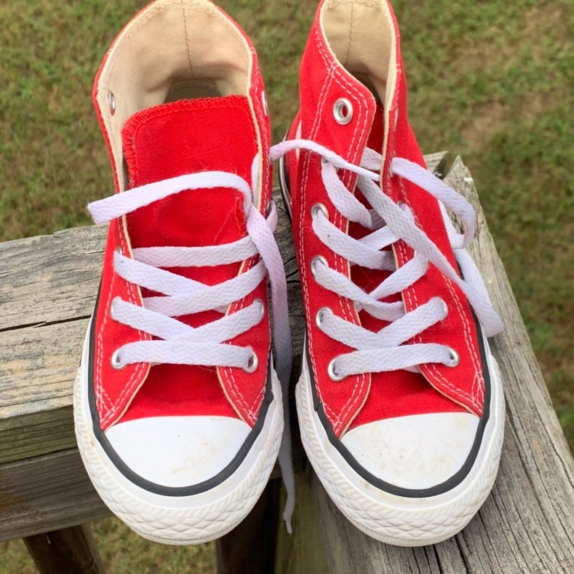 Kids Red High-Top Converse Size 11