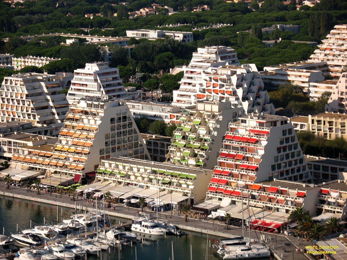 Architecture Now 2 La Grande Motte Architecture Futuriste Architecte Francais Urbanisme