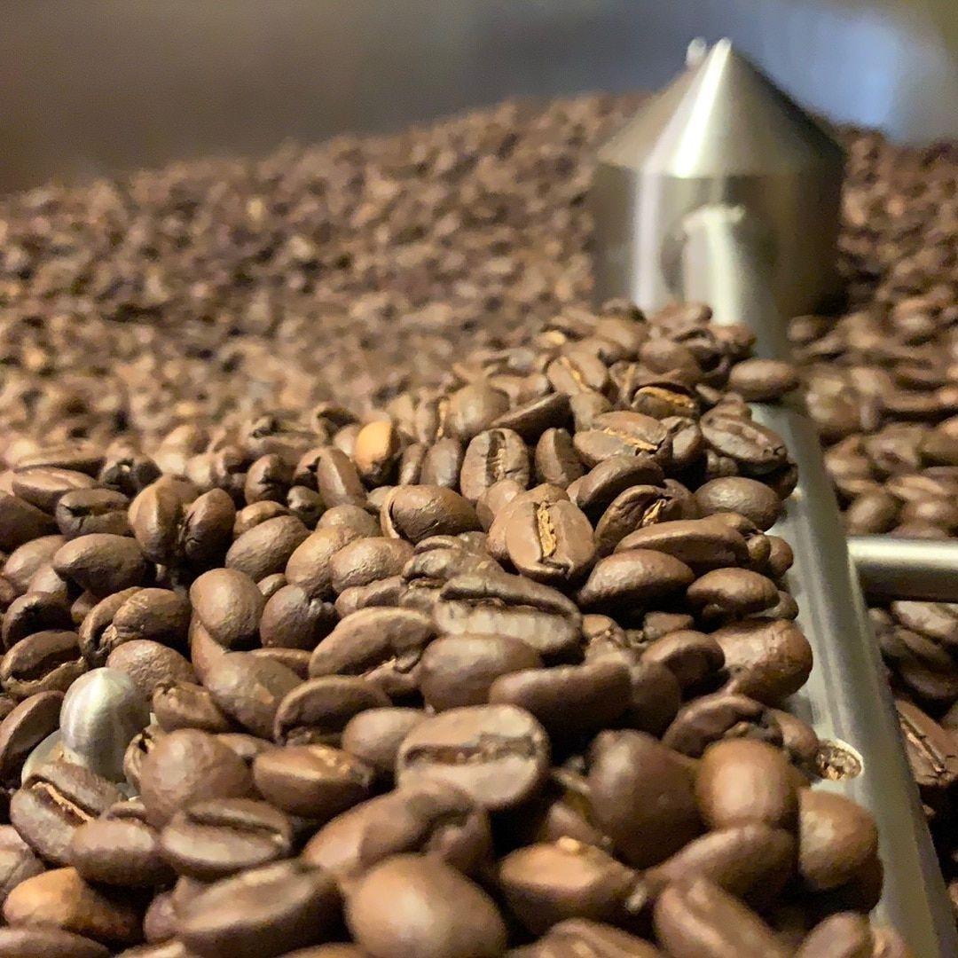 Buy Best Coffee Bean Online In 2020 Fresh Roasted Coffee Beans Roasted Coffee Beans Specialty Coffee Beans