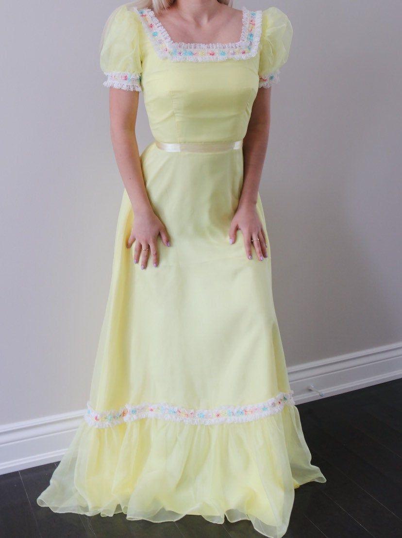 Sunshine Yellow Vintage 60s 70s Prom Dress Etsy 70s Prom Dress Dresses 70s Prom Dress Vintage [ 1108 x 828 Pixel ]