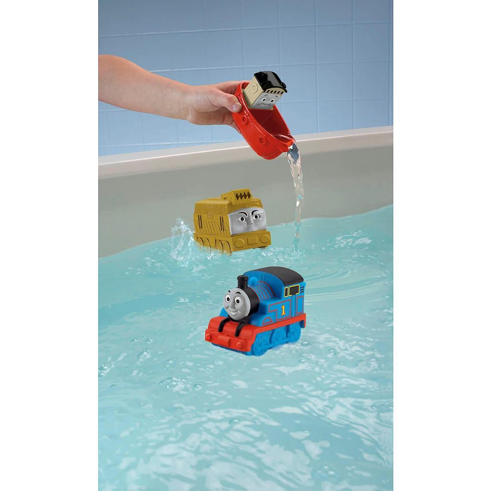Help Thomas & his friends make a splash with this fun Fisher-Price ...