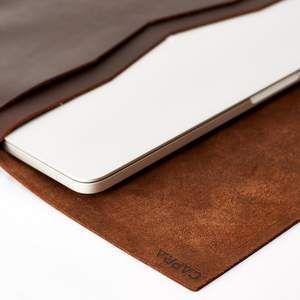 Postman MacBook Pro Case · Marron