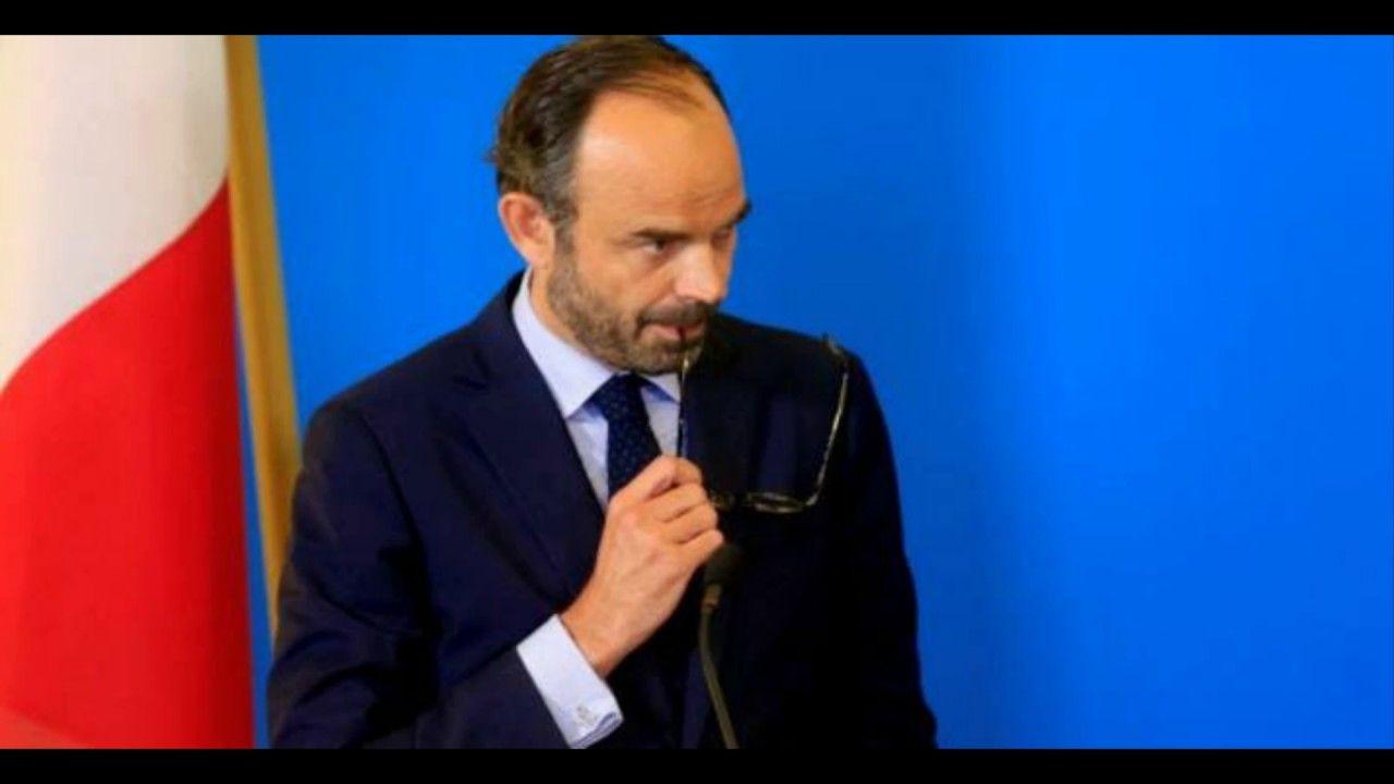 Pouvoirs Premier Ministre Article 20 De La Constitution De La Cinquieme La Republique Francaise Cinquieme Republique Premier Ministre