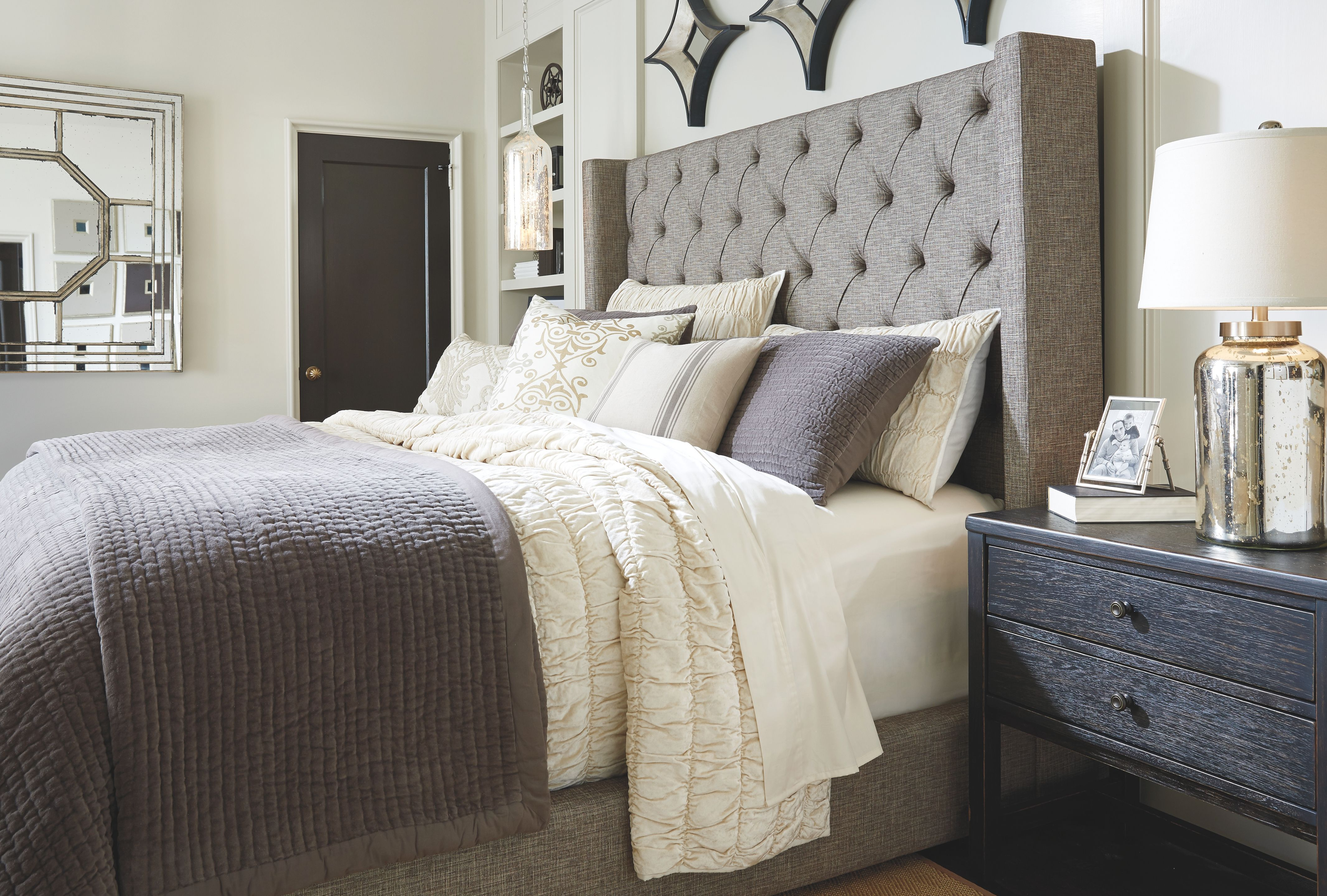 Sorinella California King Upholstered Bed Gray King Upholstered Bed Queen Upholstered Bed