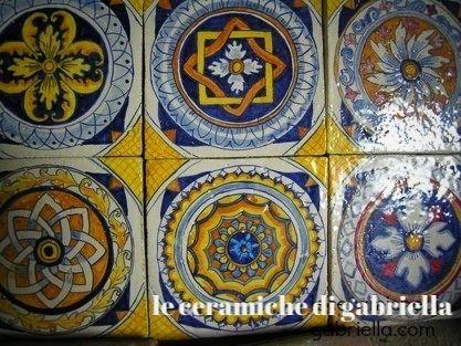 Pannello di maiolica dipinto a mano riproduzione antica deruta su