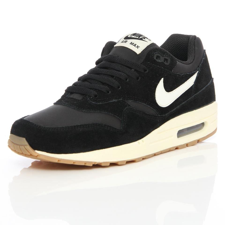 703020daab4 Kyrie Shoes 3 Black Blue Bottom