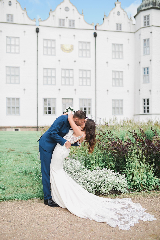Standesamtliche Hochzeit Im Schloss Ahrensburg Natalia Christopher Anma Koy Photography Standesamtliche Hochzeit Brautkleid Spitze Hochzeit