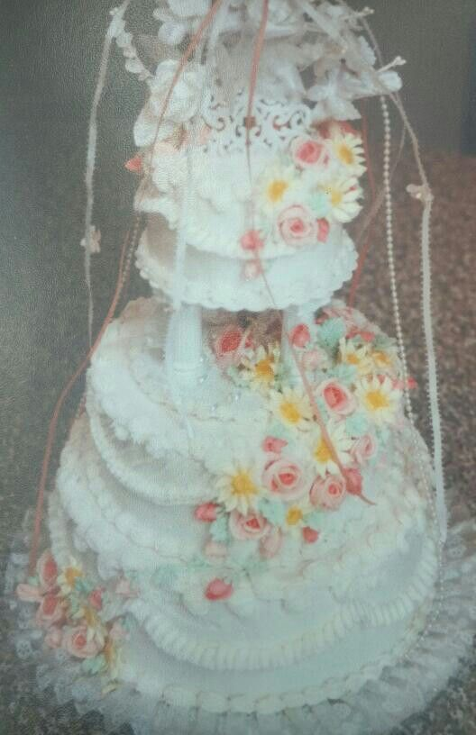 Royal icing flower wedding cake