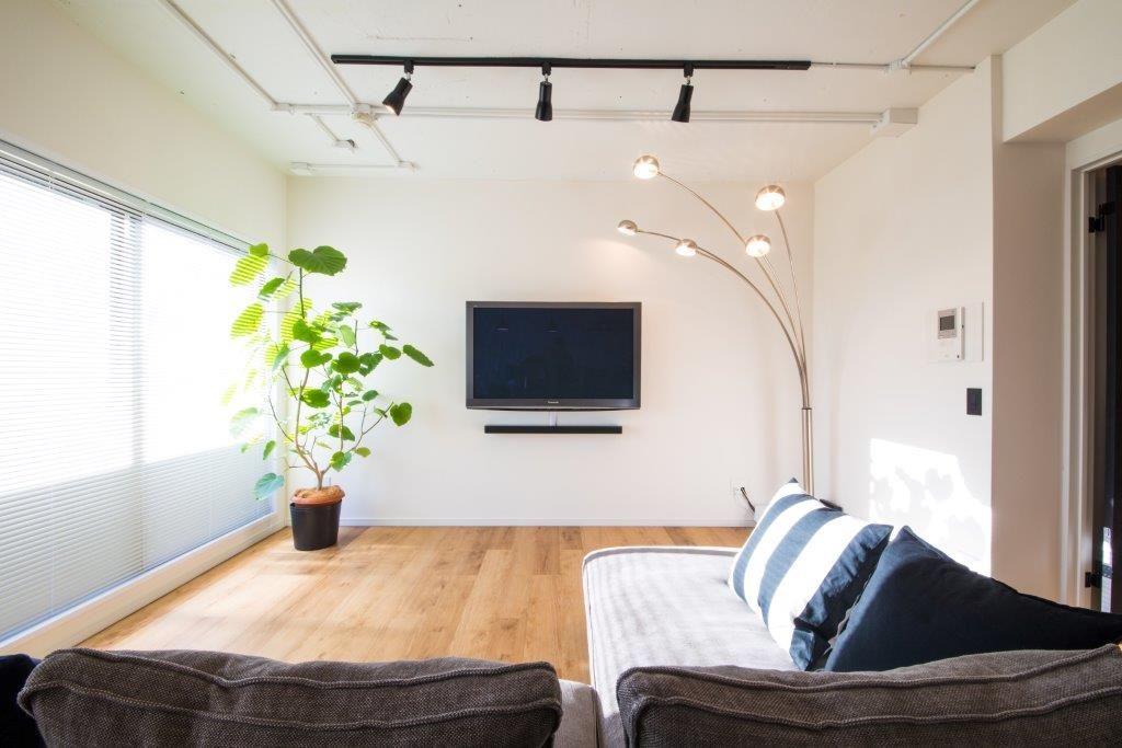 Quma E様邸 渋谷区恵比寿 すっきりとした空間にするためにテレビは