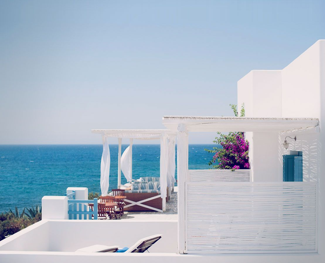 Against the magical backdrop of cyclades in greece the for Boutique hotel milos