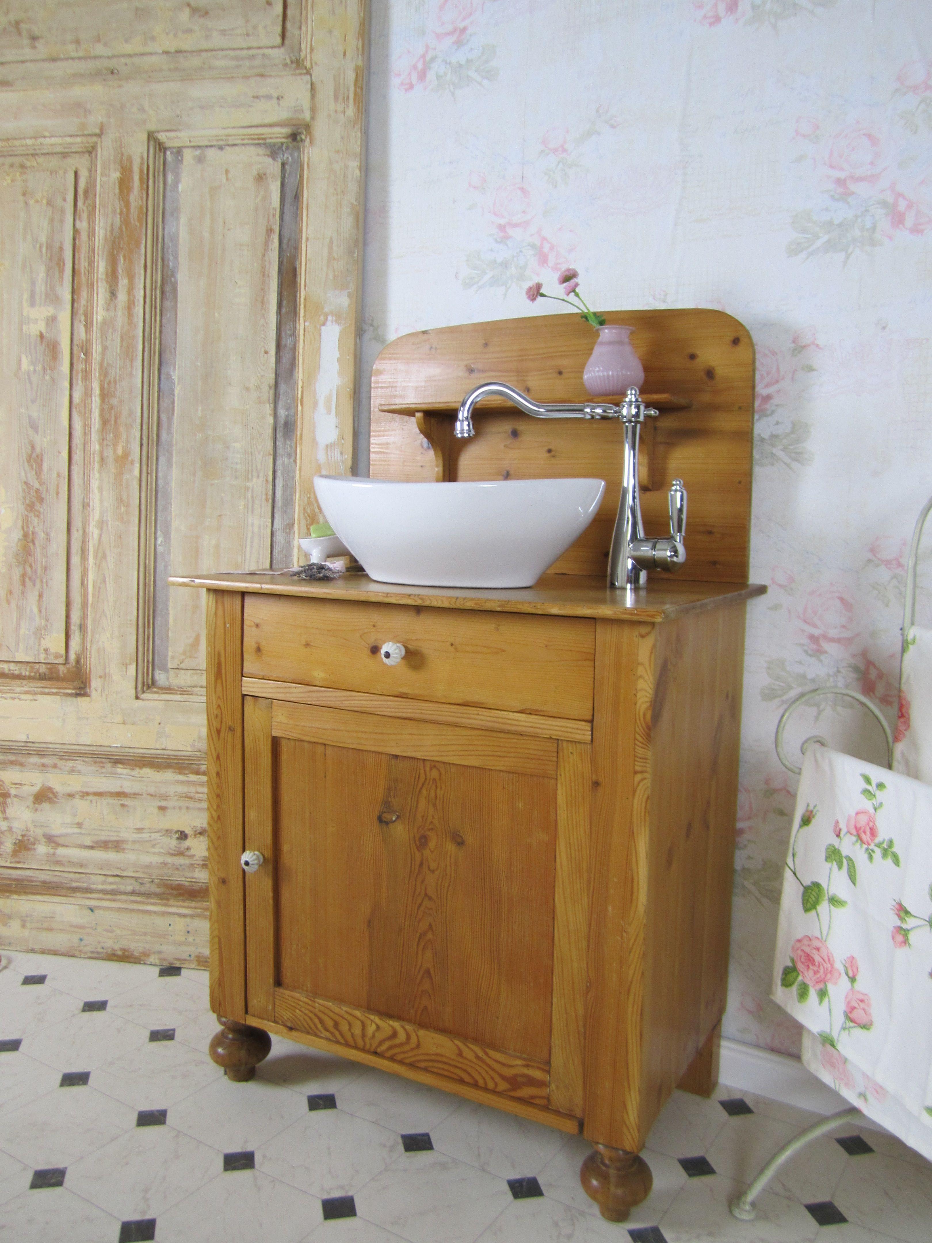 Das Badmöbel Holz Min Skat Ist Ein Dänischer Waschtisch Von Anno Dazumal Sein Name Bedeutet Mein Schatz Und Wir Badmöbel Holz Waschtisch Klein Möbel Holz