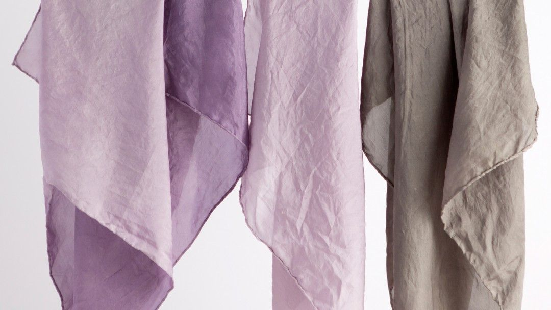 Natural Fabric Dyeing: How to Dye Silk and Other Protein Fibers by Kristine Vejar