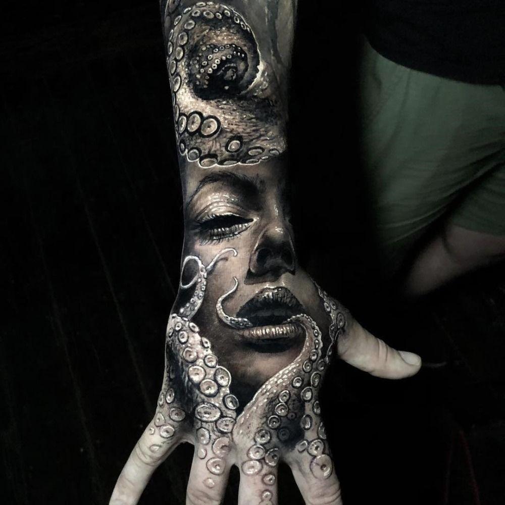 Tattoo Hand Mann Mit Tintenfisch | Herren hand tattoos