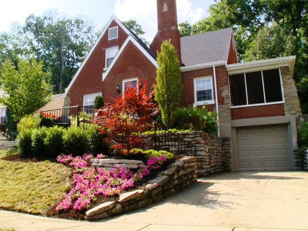 Front Yard Landscaping Ideas Front Yard Landscaping Design Sloped Front Yard Yard Landscaping
