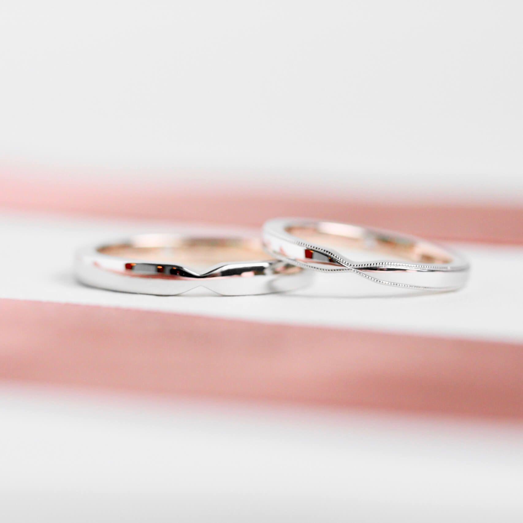 ith リボンのようなフォルムをした二色の結婚指輪 結婚指輪 結婚指輪 オーダーメイド 指輪