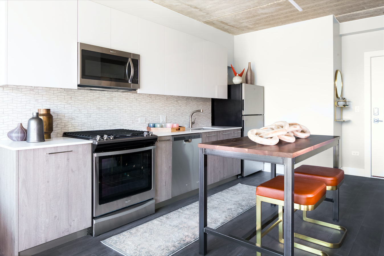 Apartments At Centrum Wicker Park Feature High End Finishes, Italian  Cabinetry, And Plank Flooring, But The Buildingu0027s Best Feature Is Itu0027s  Division Street ...