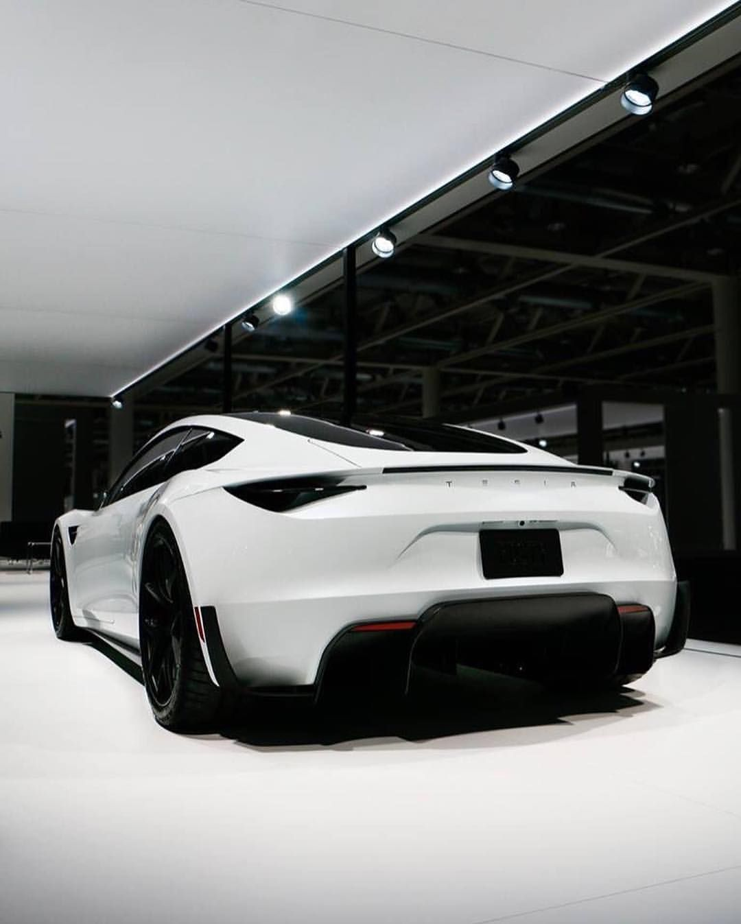 The New Tesla Roadster Looks Straight From The Future Makes Us Think Of Stormtroopers But Better Alux L New Tesla Roadster Tesla Roadster Fast Sports Cars