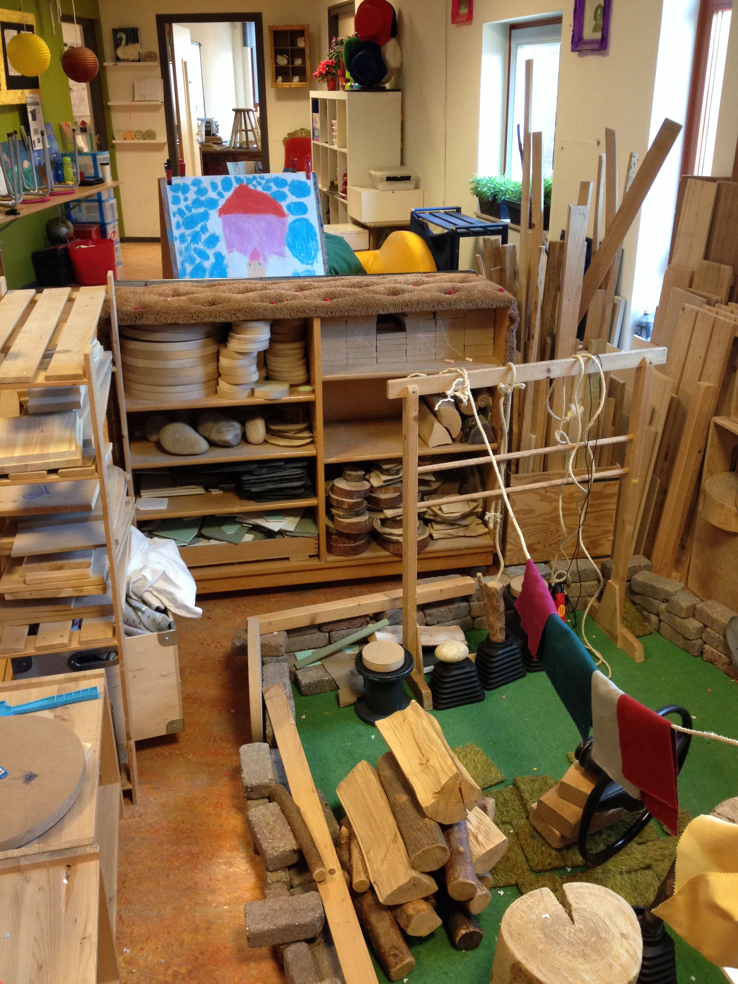 Bouwen bouwhoek pinterest reggio school and waldorf for Raumgestaltung waldorf