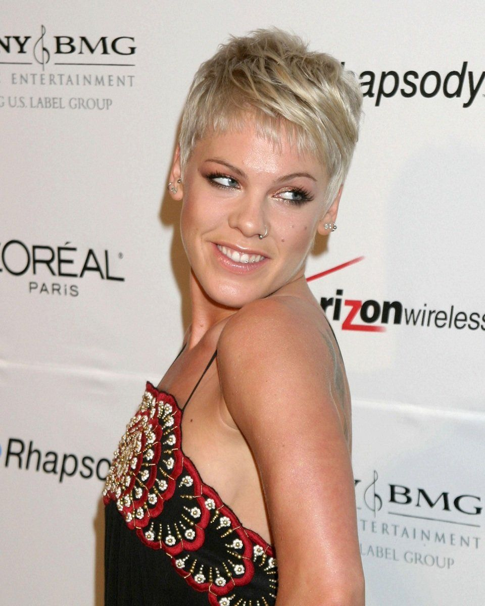 Topless Hacked Alecia Beth Moore naked photo 2017