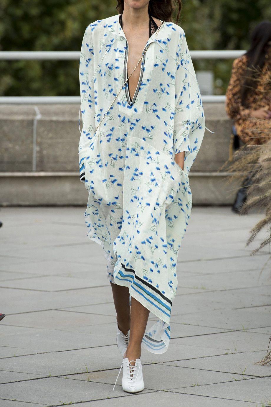 e43613e063 Roland Mouret - Damon mesh-trimmed printed crepe dress in 2019 ...