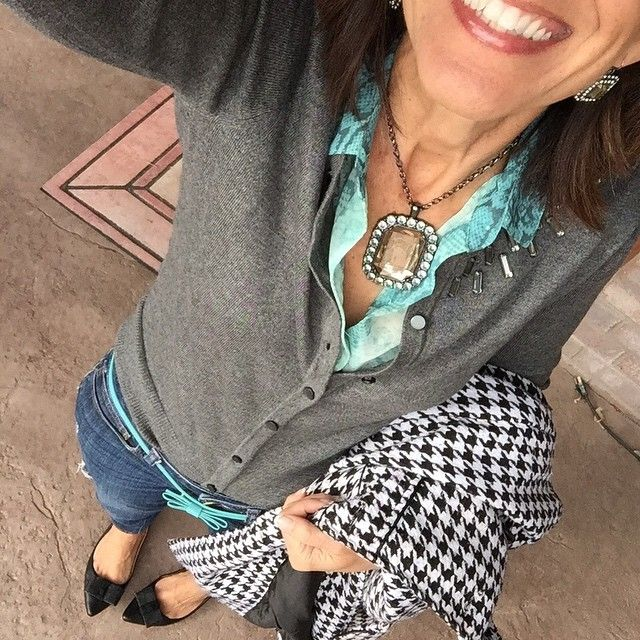 It's Friday Day 20 of my #February #StyleChallenge: And today I have penchant for plaid in my #houndstooth coat for #StyleMeFeb and blue hues in my animal print for #WearWhatWhereFeb and #ShannonSAStyleChallenge8 and I'm certainly contributing to #ShowUsHowYouSparkle!  My jeans are my go-to piece and I think I'm stylin' them today for #ModModFabFebStyle and contrasting color for #EBjewelrychallengefeb  And if and wants to try the 3-D mascara the link is in my profile!! ... the stuff really…