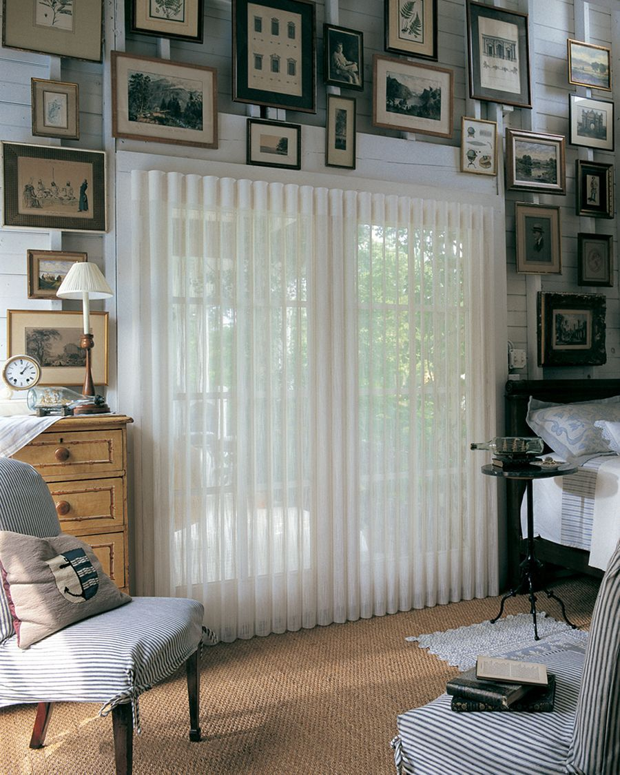 Protect A Wall Of Treasured Memories With The Uv Protection Superior Light Control And Innovative America Living Room Blinds Blinds Design Blinds For Windows
