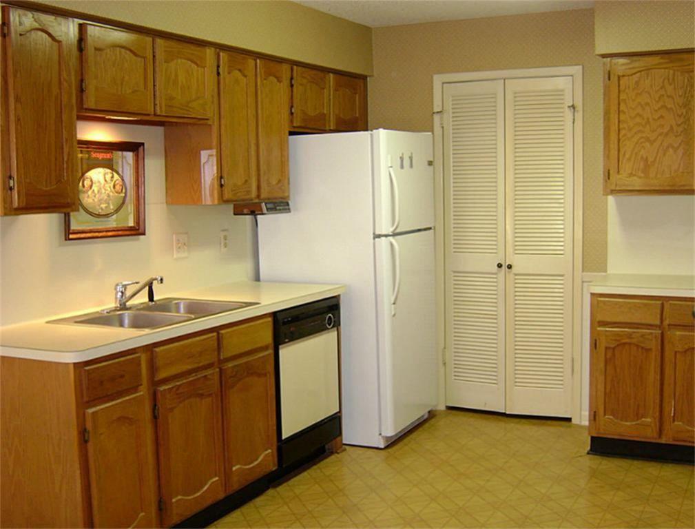 Small Kitchen Design 2 | Apartment interior design ...