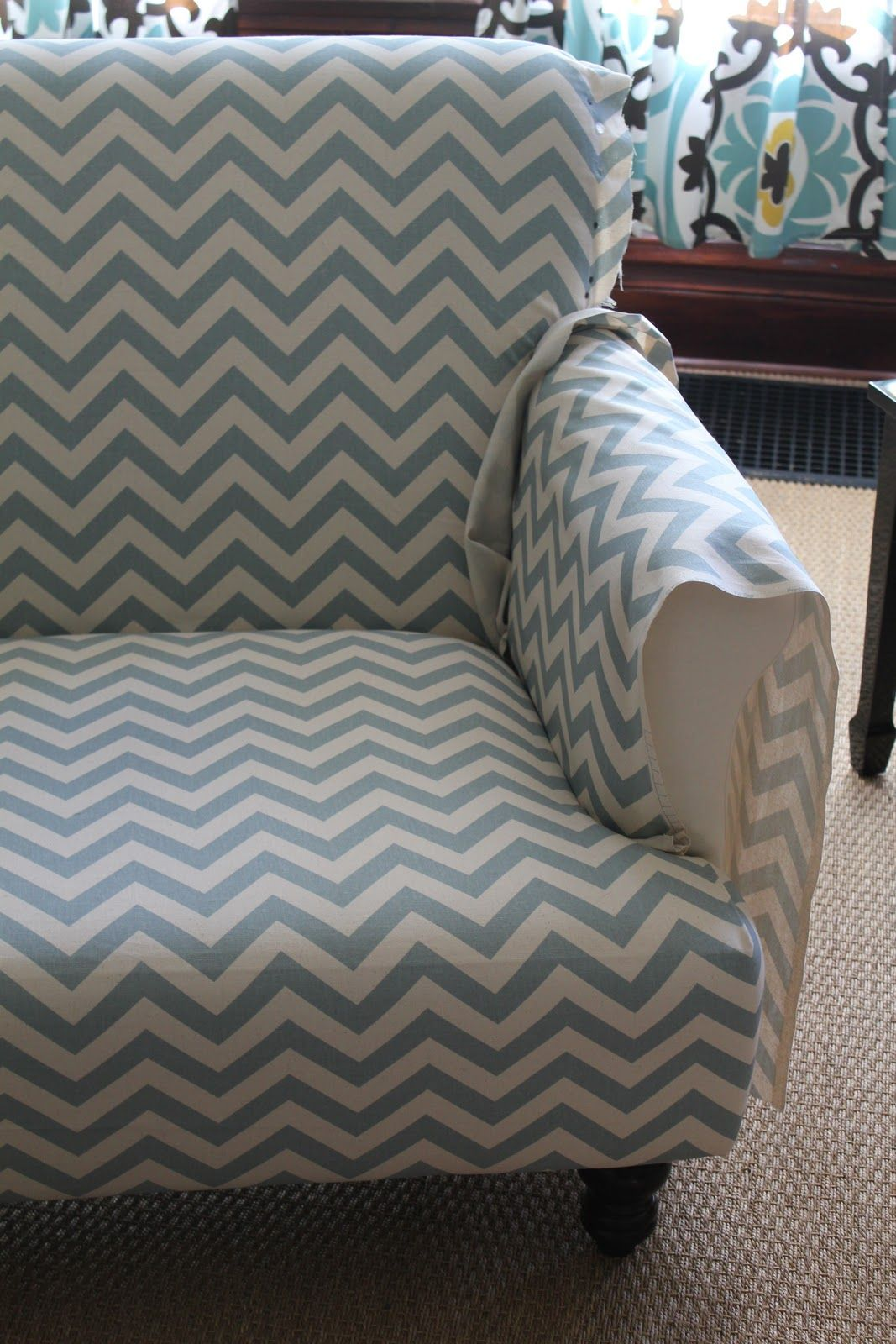 Back on Festive Road: Sofa makeover: From Shabby to Chic............