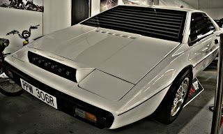 The 007 Lotus Esprit Submarine Car from The Spy Who d Me ...
