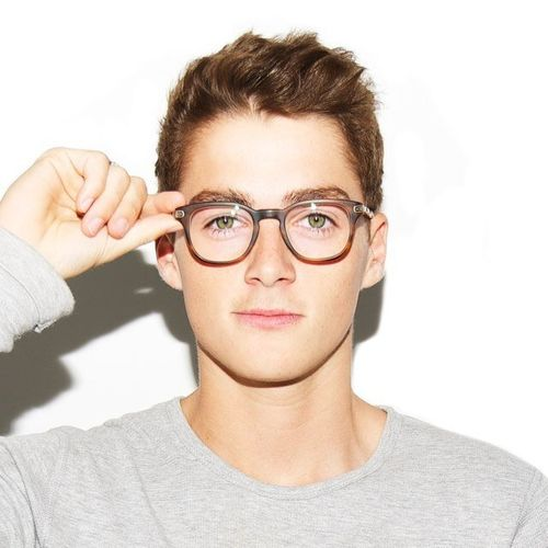 49e6b67a23f Finn Harries with glasses