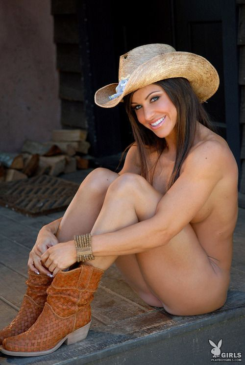 from Pablo naked girls with cowgirl boots
