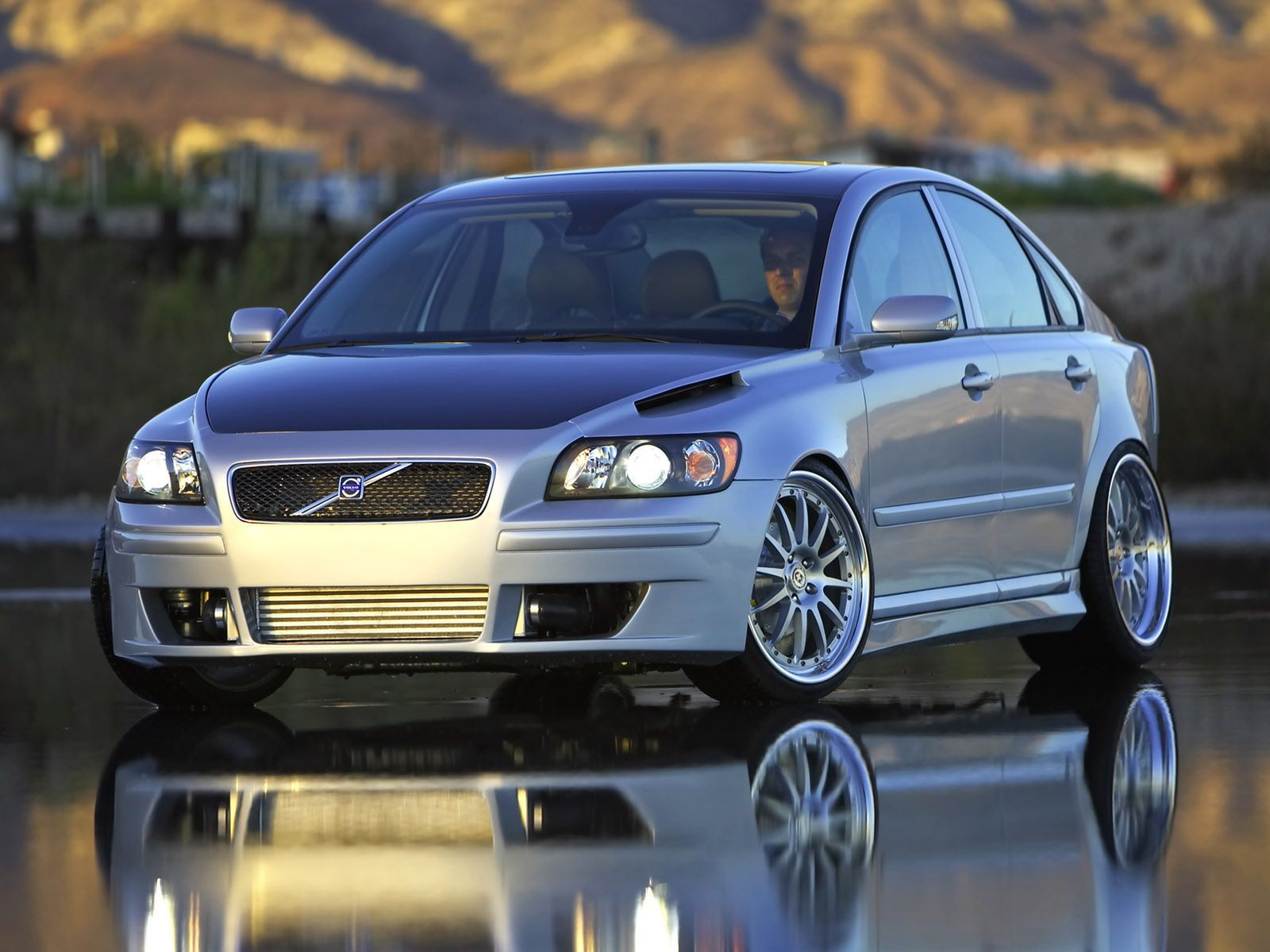 2005 Evolve Volvo S40 Sedan - Front Angle