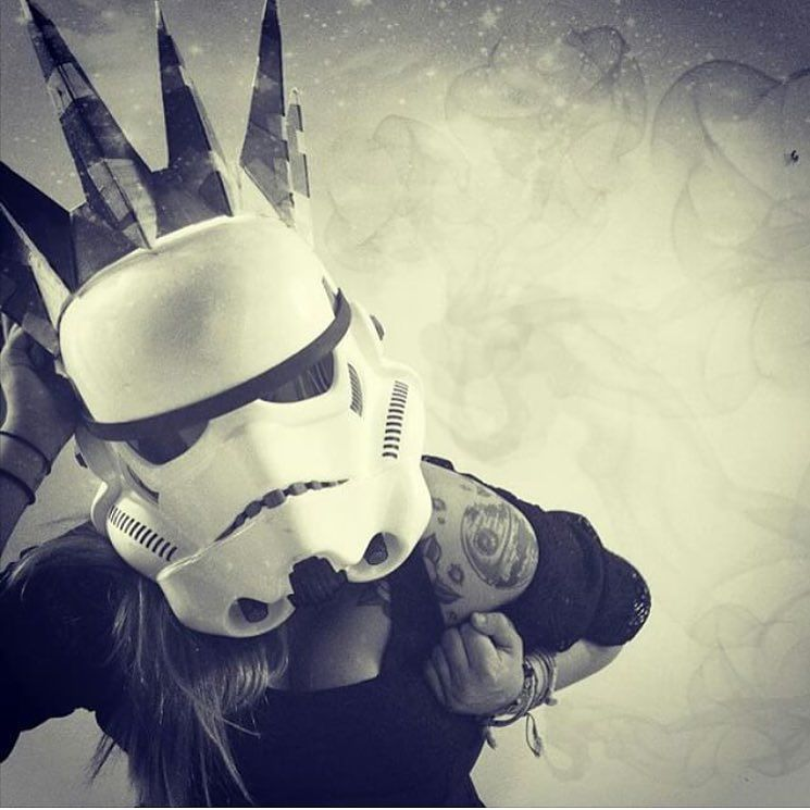 HAPPY BIRTHDAY to force girl @darthlilo may the force bring you an amazing day filled with joy! by: @force_girls