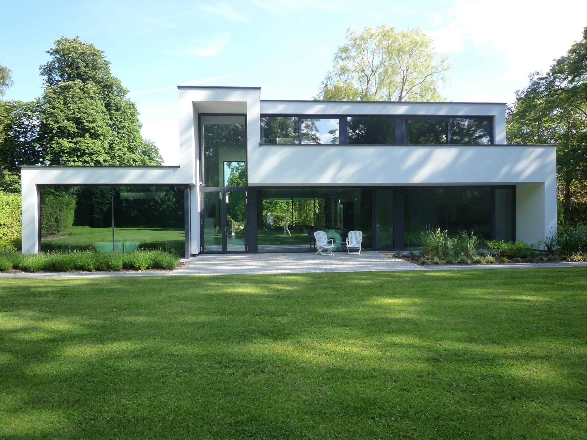 Maas architecten woonhuis oldenzaal stucwerk modern for Architecture de villa moderne