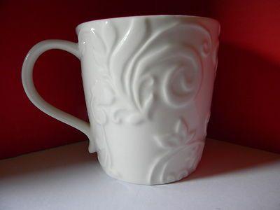 STARBUCKS Reindeer Mug Cup Holiday Christmas 2009 White Red Bone China