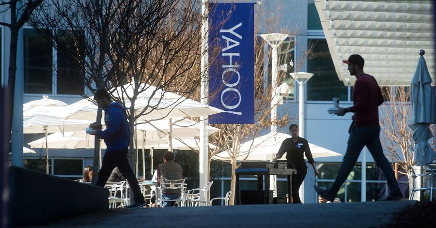 Yahoo, Bucking Industry, Scans Emails for Data to Sell