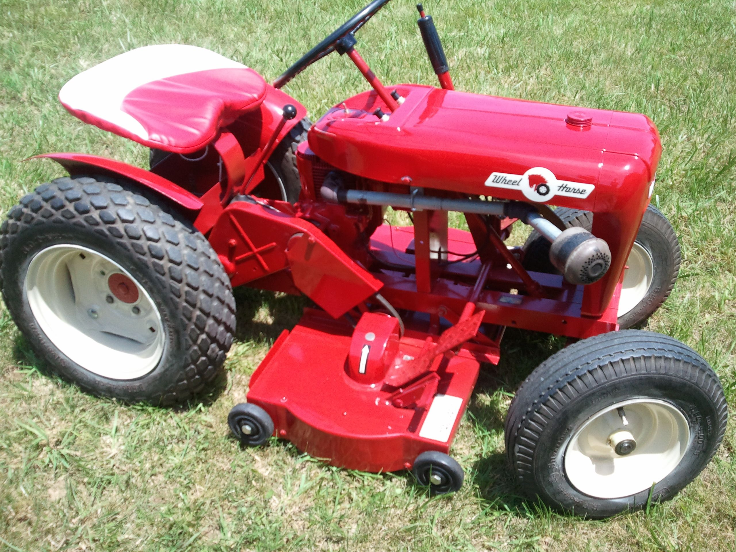 Mini Wheel Horse Tractor : Wheel horse suburban tractors pinterest