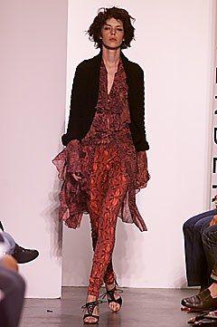Diane von Furstenberg Spring 2002 Ready-to-Wear Fashion Show - Diane von Furstenberg, Carmen Kruezer
