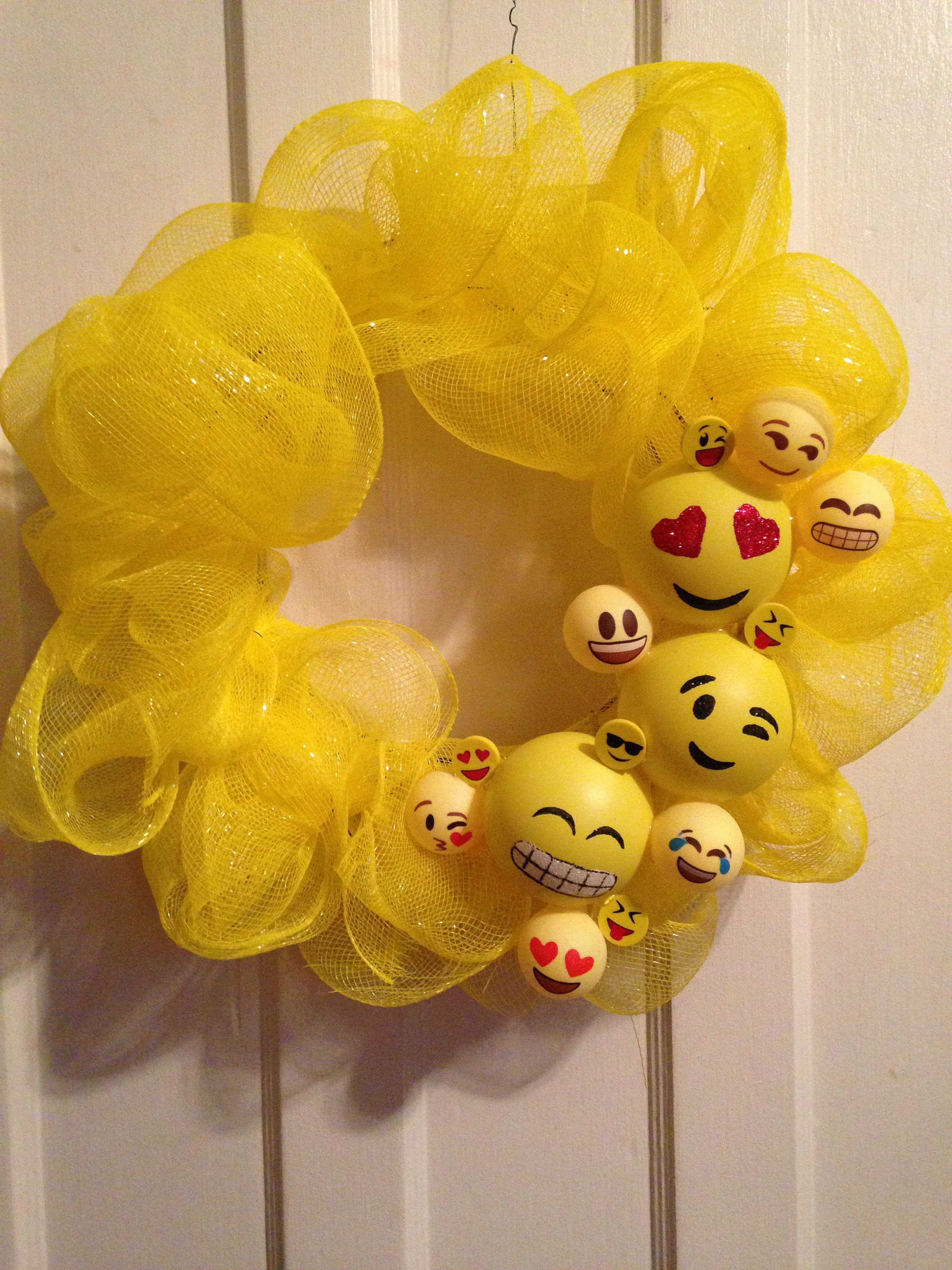 Emoji Wreath