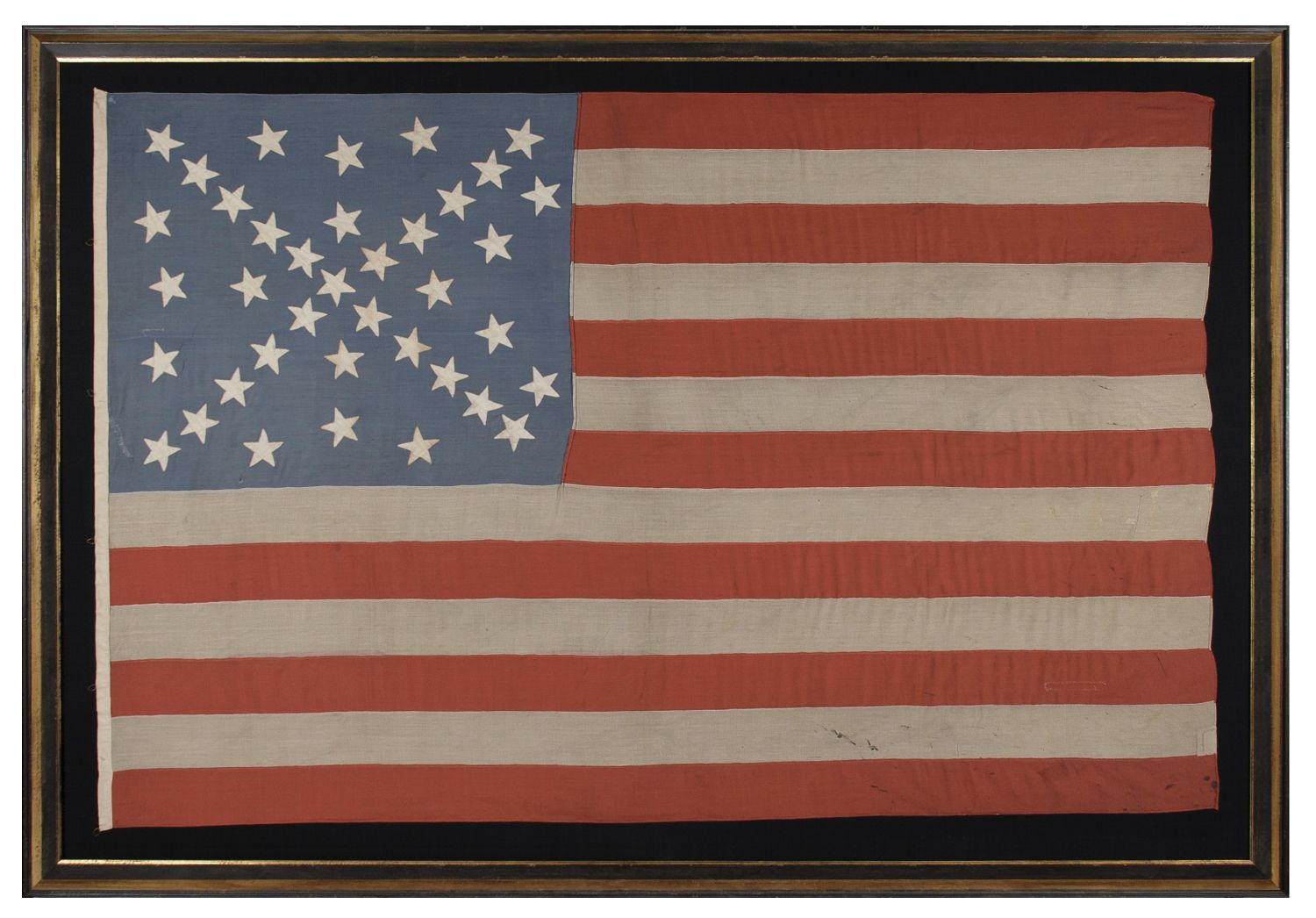 38 Stars In A Dynamic Starburst Cross One Of The Most Spectacular Star Configurations In Flag Collecting On An Antique A American Antiques American Flag Flag