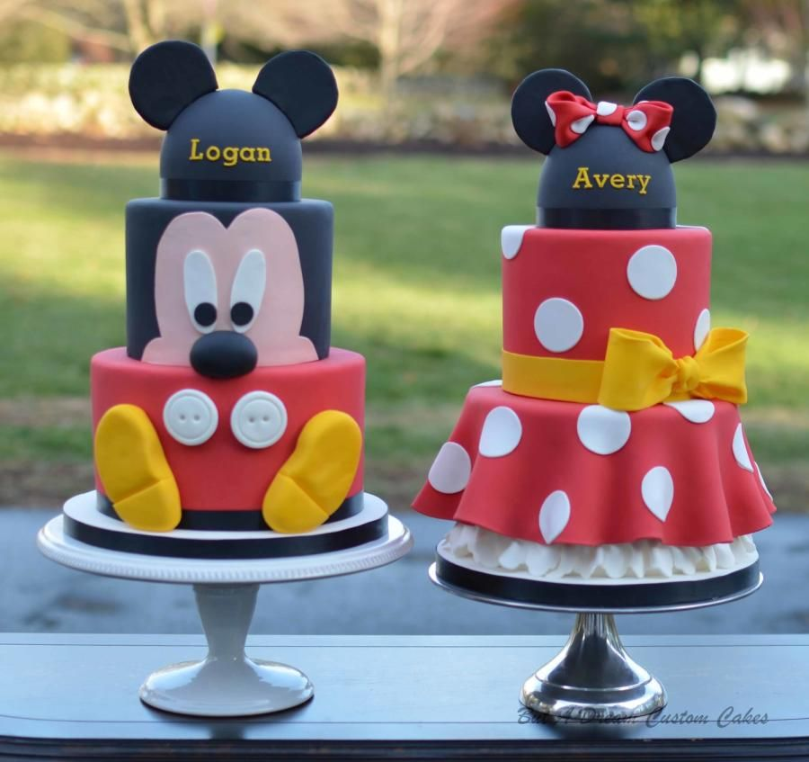 Mickey And Minnie Cakes Cake By Elisabeth Palatiello Cupcakes