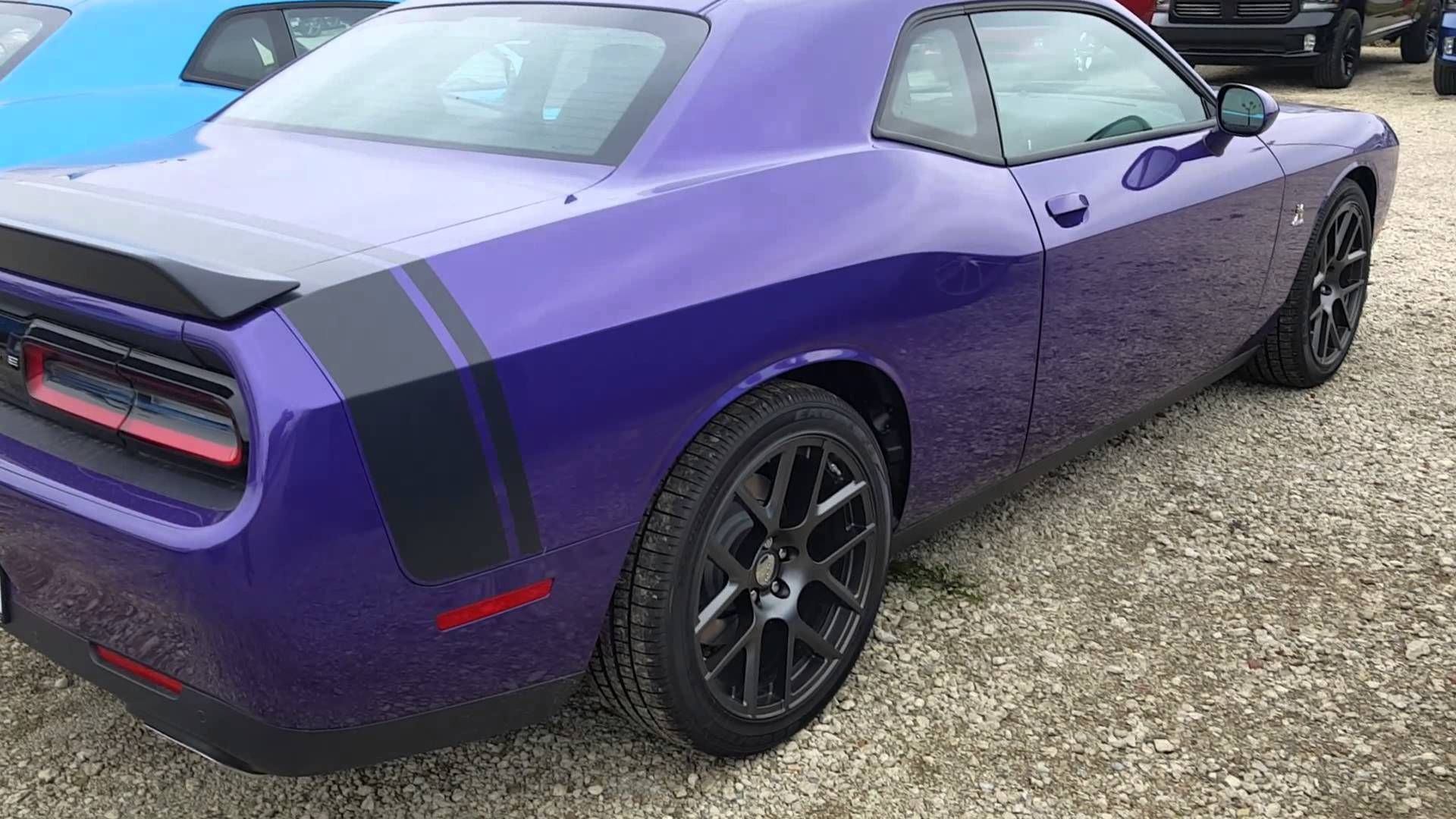 The red dodge challenger that glenn joyrides through atlanta is the exact same one that walter white gifts his son in breaking bad
